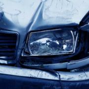 Ein Auto nach einem Unfall. Symbolfoto: Pixabay.