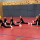 Jugendgarde der Faschingsgesellschaft Schwarz-Weiß Bayreuth im Spagat