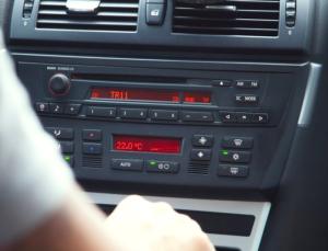 Autoradio und Klimaanlage