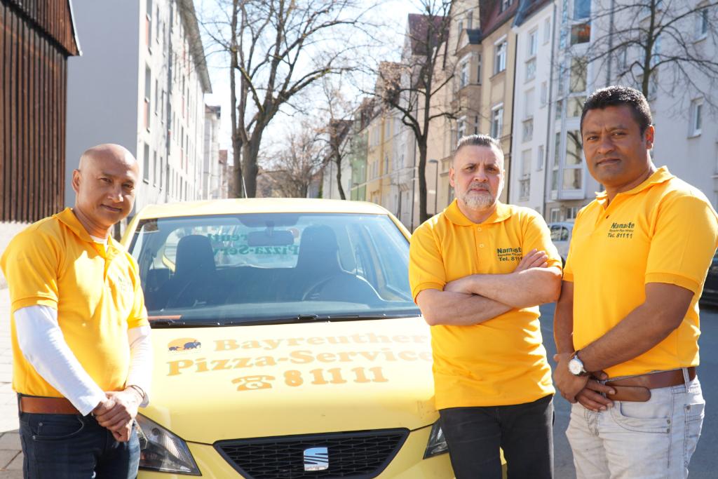 Das Team vom Pizzaservice Namaste aus Bayreuth