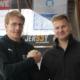 Tigers Coach Petri Kujala mit Mikko Rämö. Foto: Alex Vögel