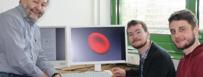 Phsyiker der Uni Bayreuth am Schreibtisch