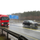 Lanzendorfer Brücke A9 Autobahn mit rotem LKW und Notrufsäule