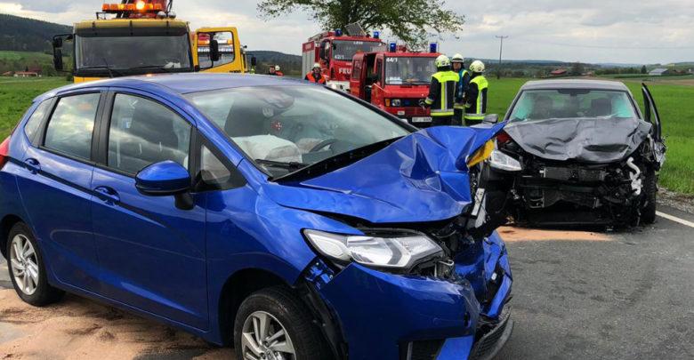 Unfall zwischen Lehen und Seybothenreuth auf der B22