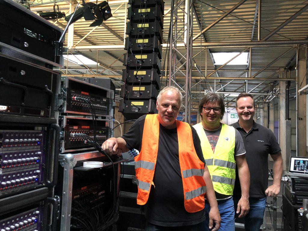 (v.l.n.r.) Stephan Köstlmeier, Michael Angerer und Michael Jobst kümmern sich um Instrumente und Bühnentechnik.