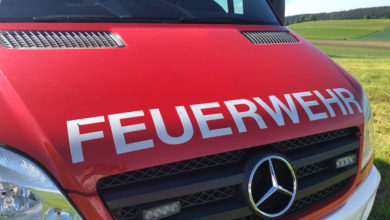 In Kulmbach musste eine Verletzte aus dem Auto geschnitten werden.