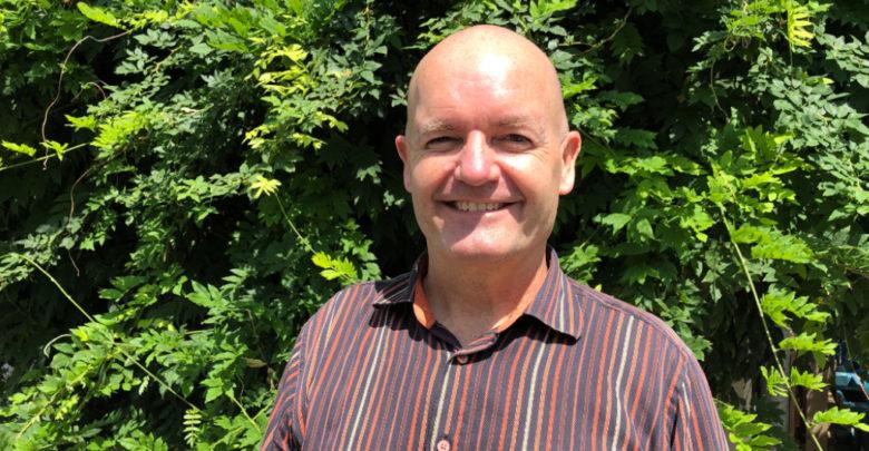 Professor Rudolf Haken (University of Illinois) leitet das Crossed Over Orchestra beim Festival Junger Künstler in Bayreuth.