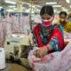 Siegel Grüner Knopf: Arbeiterinnen in einer Textilproduktion in Äthiopien