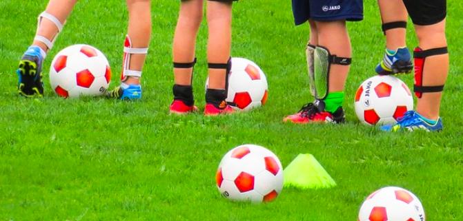 Fußball-Kinder