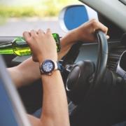 In Oberfranken wurde ein Lastwagenfahrer mit 2,52 Promille angehalten. Er habe wegen Zahnschmerzen getrunken. Symbolfoto: pixabay