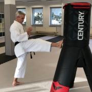 Freddy Plewe verfolgt mit seiner Karateschule ein besonderes Konzept. Foto: Susanne Monz