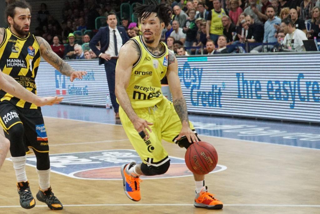 medi bayreuth Spieler Kyan Anderson gegen die MHP RIESEN Ludwigsburg