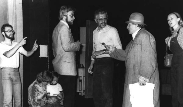 """""""Zwischen auf und davon"""" (Regie: Werner Hildenbrand, Bühne: Karlheinz Beer, Foto: Studiobühne) 1980. Foto: Studiobühne Bayreuth"""