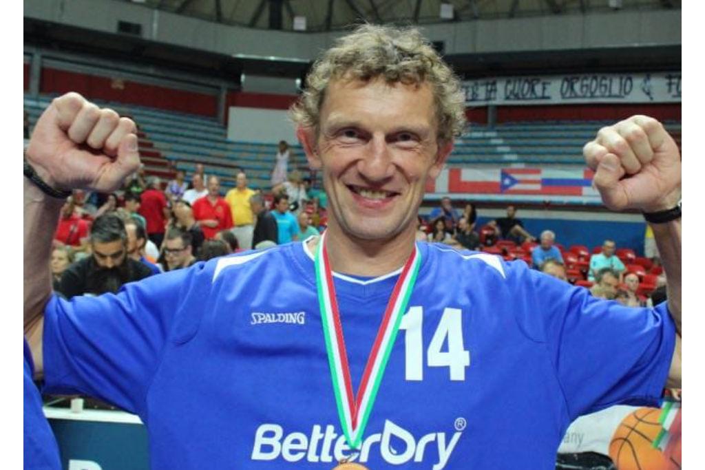 Er wars: Rudi Adler blockte Dirk Nowitzki und sorgte für ein legendäres Zitat. Unser Foto zeigt Rudi Adler bei der U-55-Basketball-Weltmeisterschaft im italienischen Montecatini. Er holte 2017 mit der der deutschen Nationalmannschaft die Bronzemedaille.