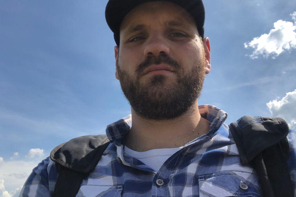 Frederik Eichstädt am Flugplatz
