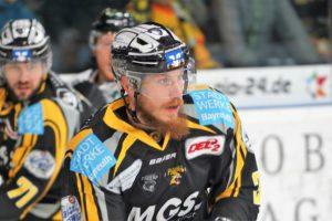 Tigers Eishockey  Spieler Bosas