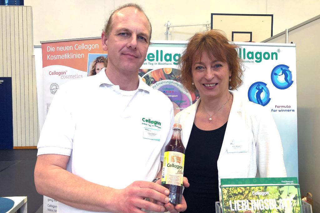 Anke und Markus Miersbe stellen verschiedene Mikronährstoff-Konzentrate auf der Messe vor, die nur aus natürlichen Produkten bestehen.