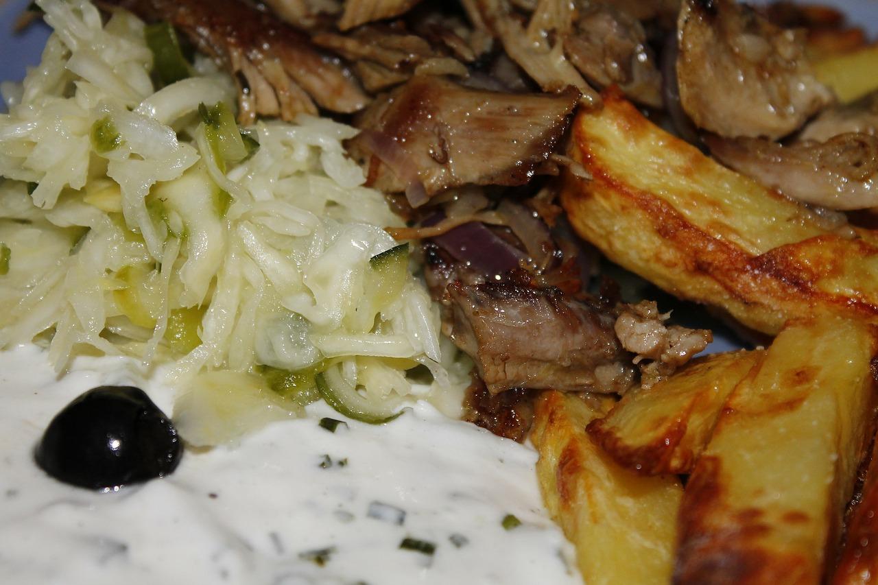 Kostenloses griechisches Essen in der Corona-Krise in Bayreuth.