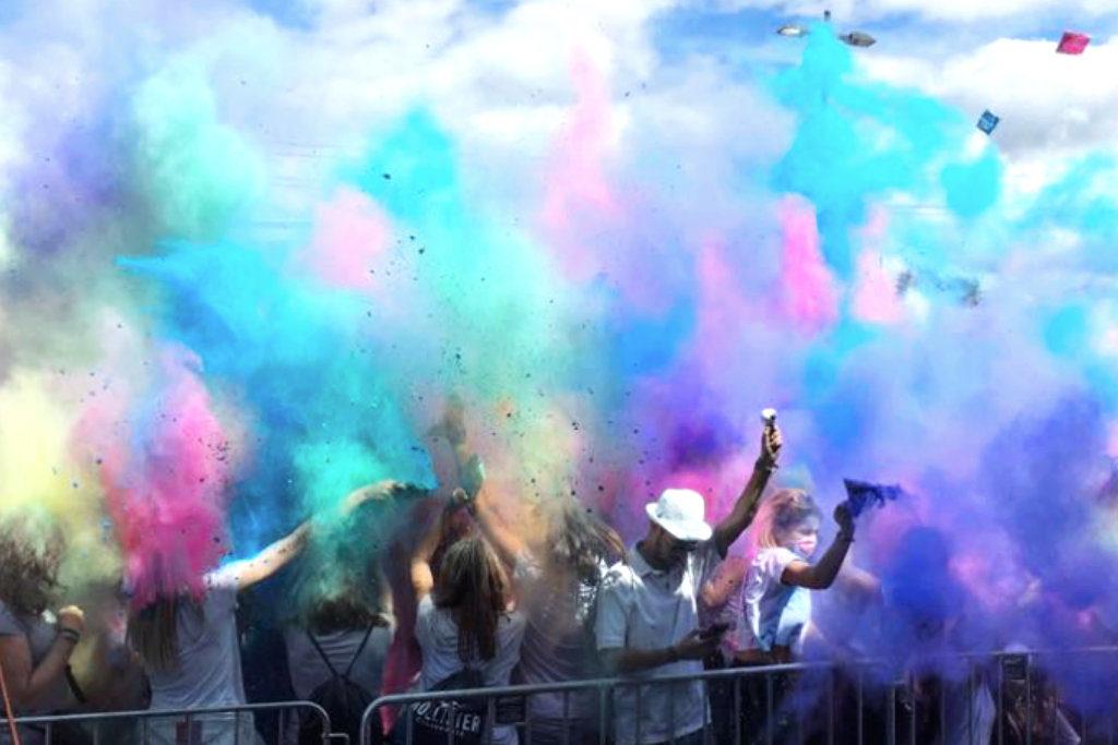Holi Festival Farbennebel