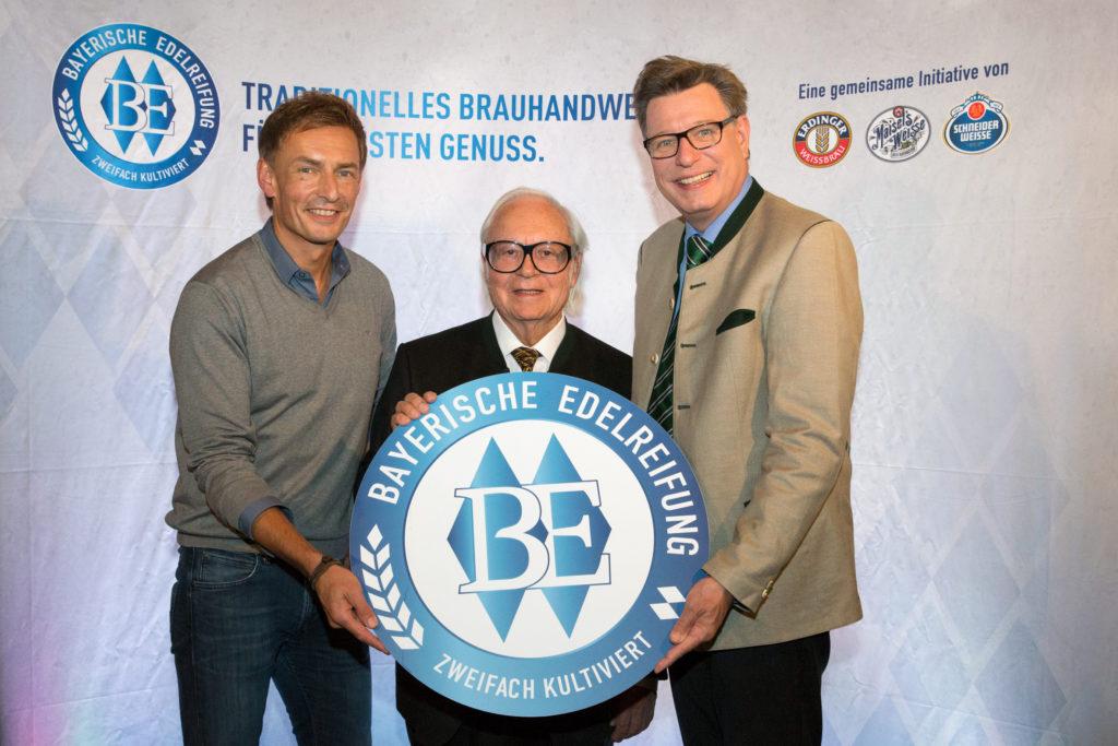 (v.l.) Die drei Brauerei-Inhaber Jeff Maisel, Werner Brombach und Georg Schneider