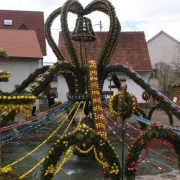 Osterbrunnen sind eine fränkische Tradition. Foto: Stephan Müller