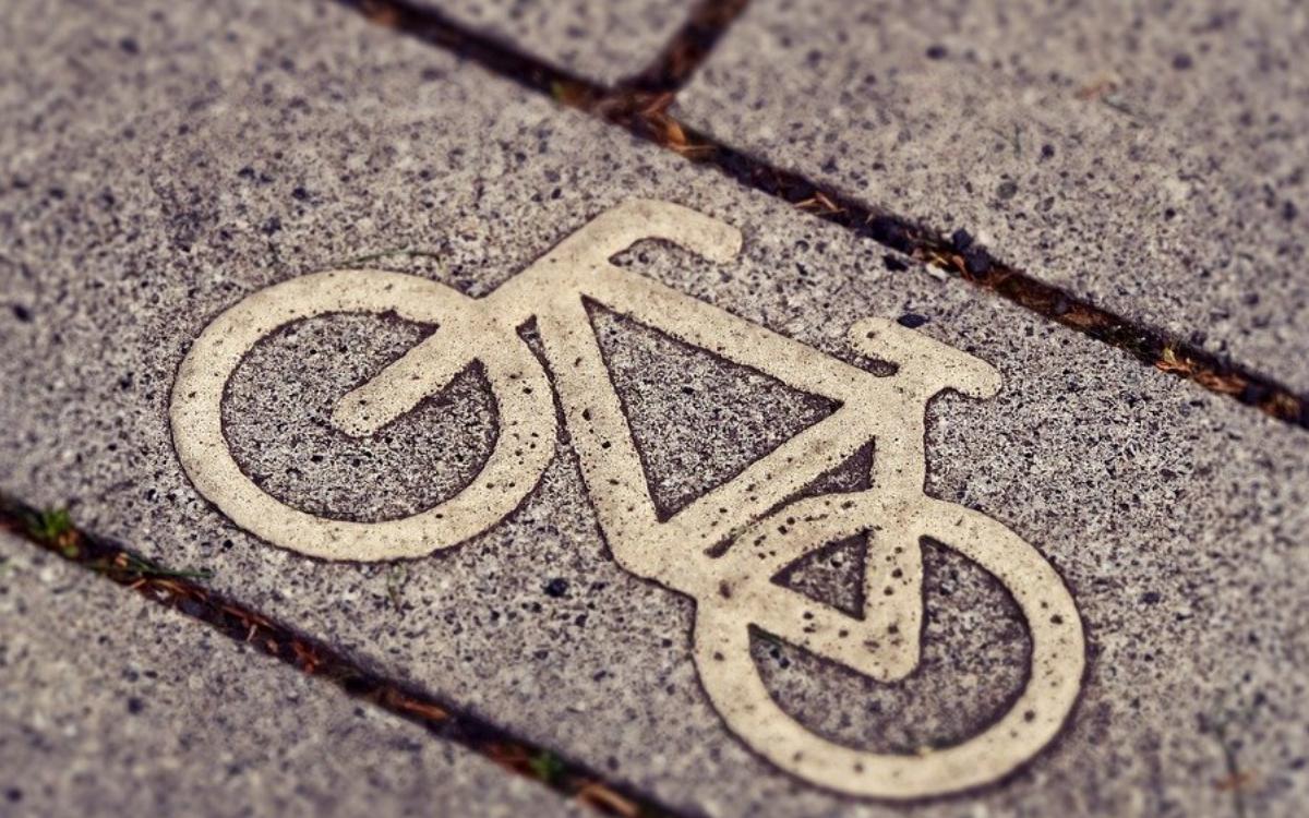 Die CSU-Stadtratsfraktion will prüfen lassen, ob Rad- und Fußwege in Bayreuth erweitert werden müssen. Symbolbild: pixabay