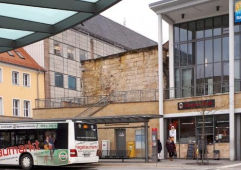 Ein Stadtbus steht am ZOH. So kommt die Maskenpflicht in Bayreuth an. Archiv: Redaktion