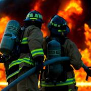 Die Feuerwehr im Einsatz. In Bamberg kam es zu einem Großbrand. Symbobild: Pixabay.
