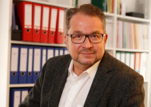 Stefan Schlags (Die Grünen) kritisiert die Pläne der CSU für das Klinikum Bayreuth. Archiv: Privat