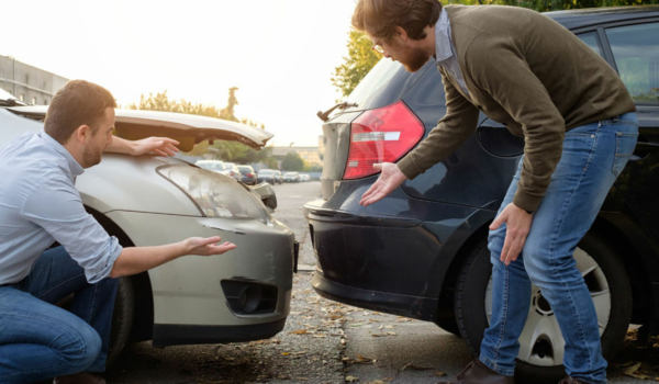 Mehr als jeder fünfte Deutsche war in den letzten fünf Jahren mindestens einmal in einen Verkehrsunfall verwickelt. Foto: djd/Roland-Rechtsschutzversicherung-AG/Paolese - stock.adobe.com