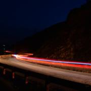 Ein Raser wurde auf der Autobahn A9 bei Bayreuth geblitzt. Bei erlaubten 100 km/h fuhr er 210. Symbolbild: Pixabay