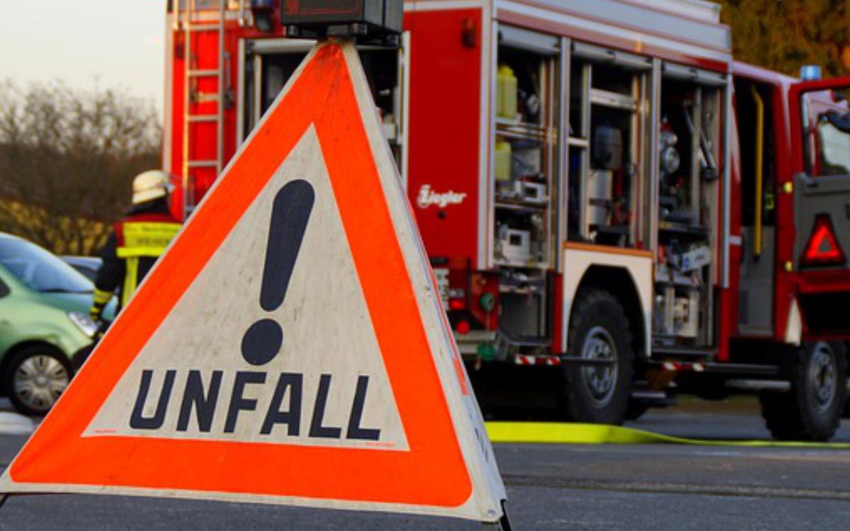Eilmeldung: Vollsperrung der St. 2191 nach Crash kurz hinter Freienfels. Symbolbild: pixabay