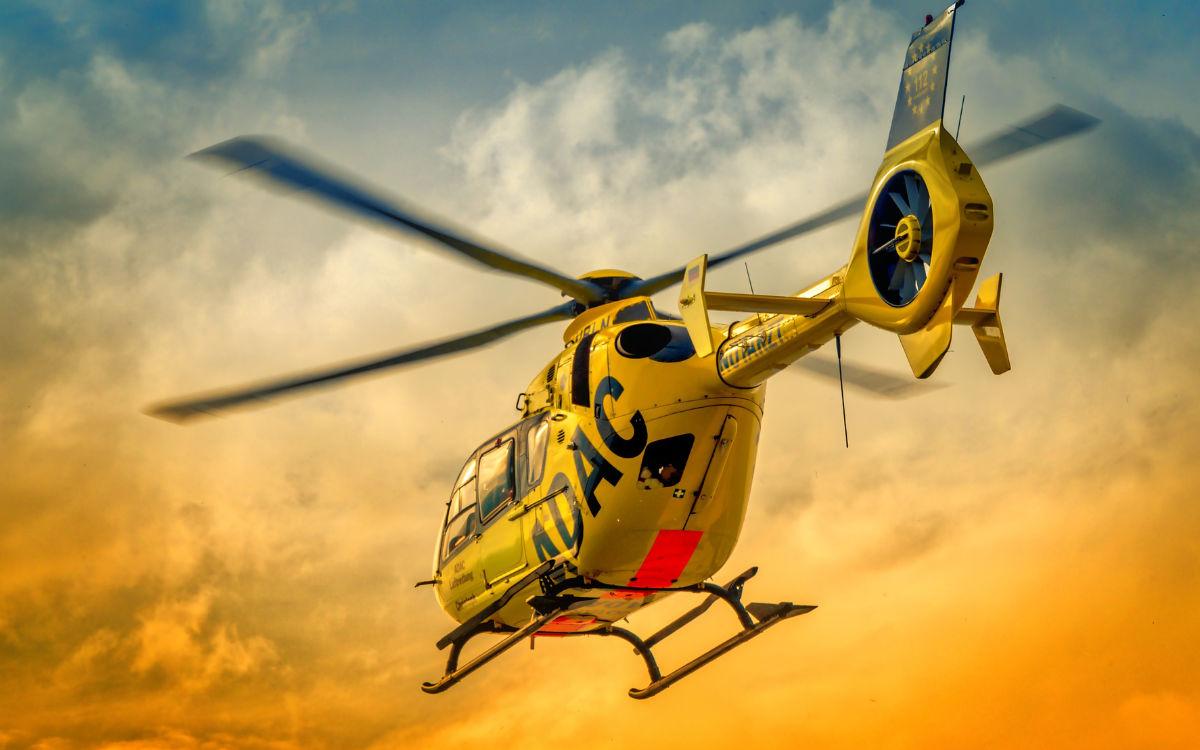 Unfall am Bindlacher Berg im Landkreis Bayreuth: Rettungshubschrauber im Einsatz. Symbolfoto: Pixabay