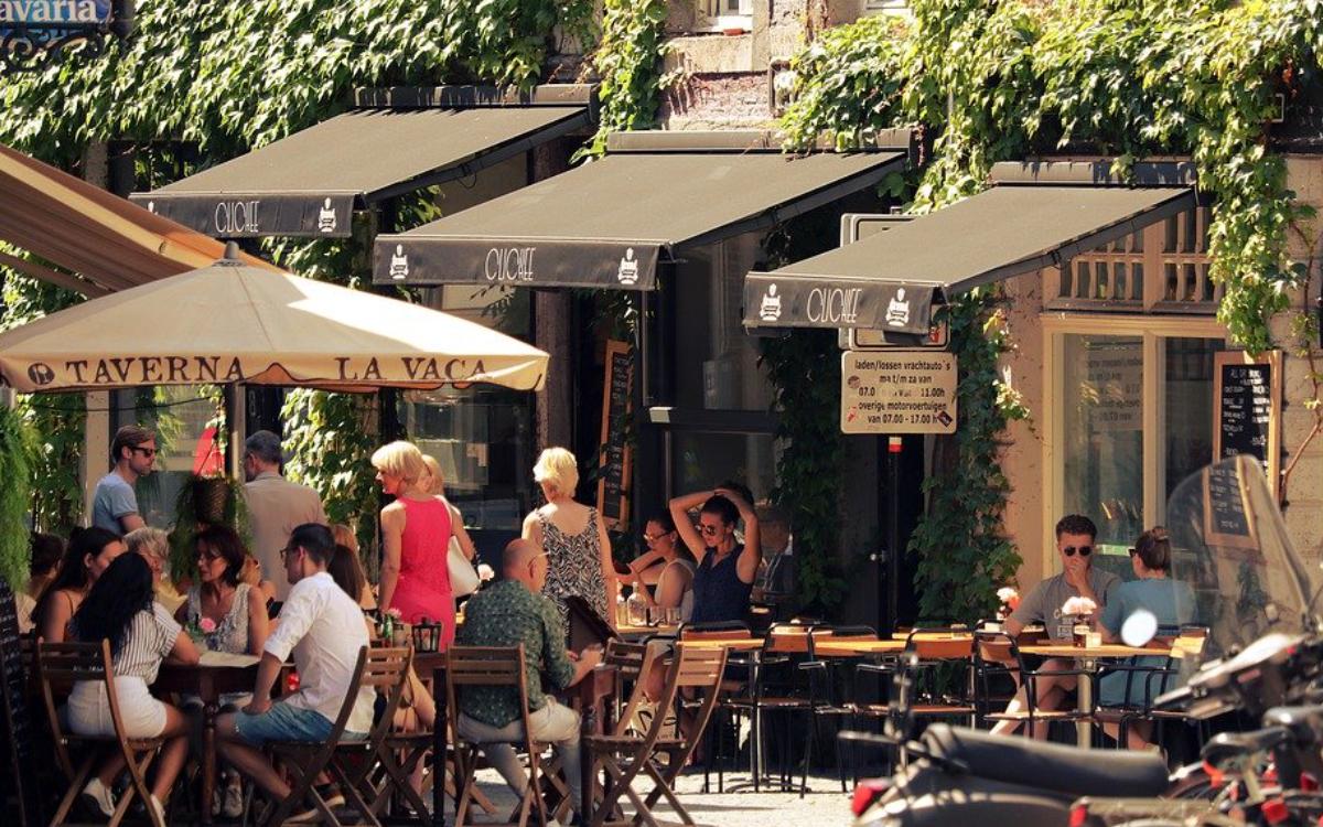 Öffnen Bayreuther Gastronomen die Außengastronomie oder nicht? Mehrere emotionale Nachrichten auf Facebook. Symbolbild: Pixabay