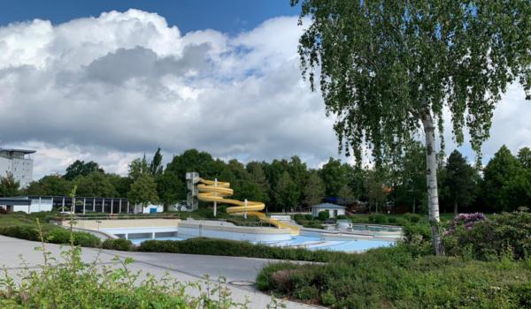 Keine Eröffnung der Freibadsaison im Mai. So geht es dem Kreuzsteinbad in Bayreuth. Archivfoto: Katharina Adler