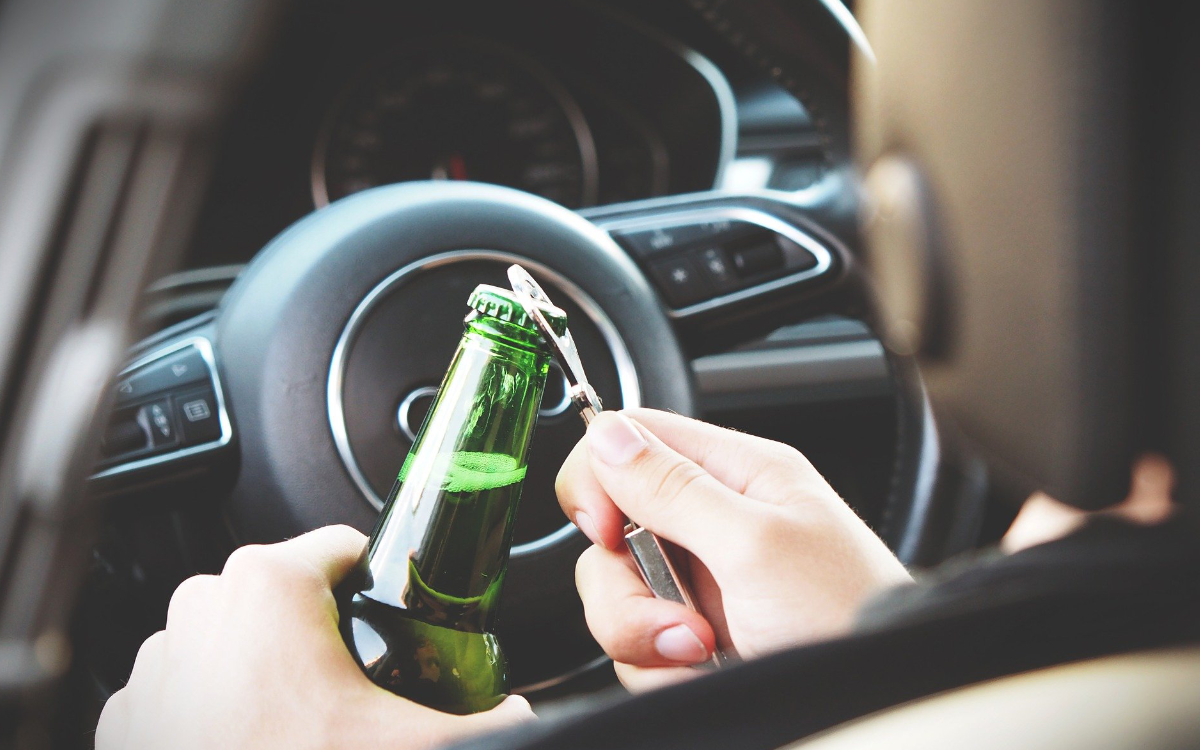Eine Trunkenheitsfahrt eines Baden-Württembergers am Samstag (2.1.2021) nahm auf der A9 im Landkreis Bayreuth ihr Ende. Symbolfoto: pixabay