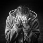 Erneut waren Betrüger mit dem Enkeltrick erfolgreich: Eine Rentnerin aus dem Fichtelgebirge wurde um eine hohe Summe betrogen. Symbolbild: pixabay