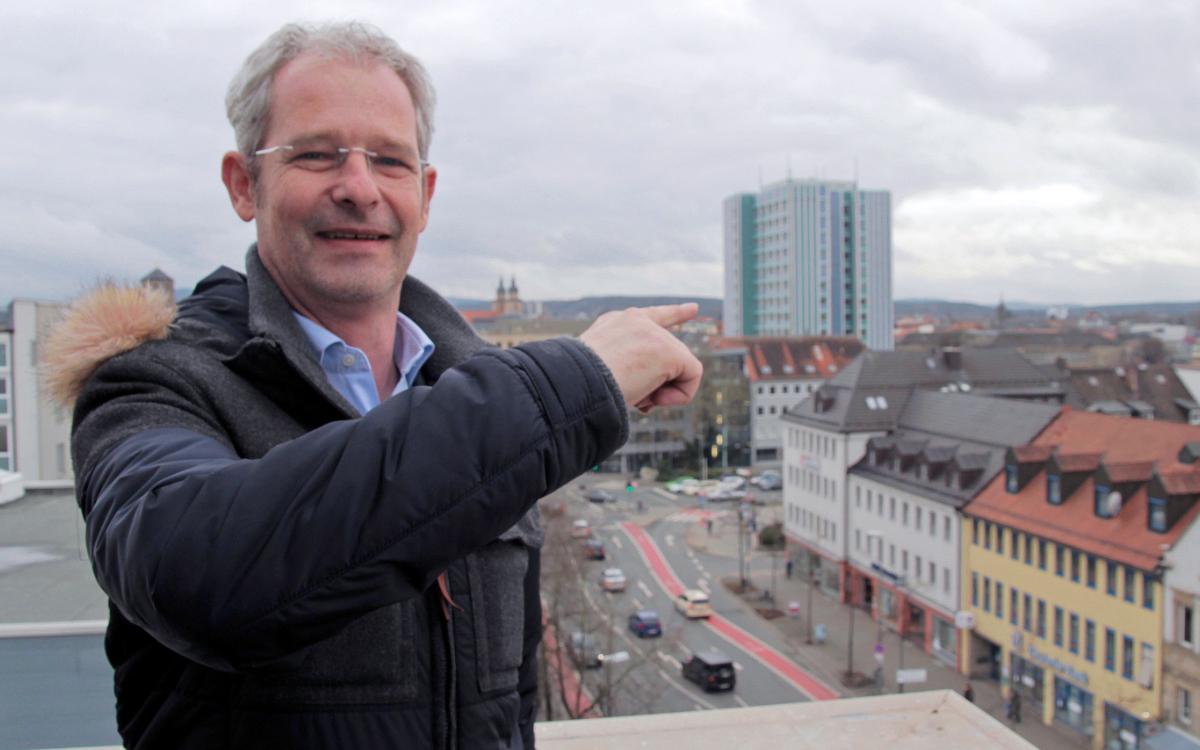 Stadtrat Franz-Peter Wild (CSU) vor dem Bayreuther Rathaus. Foto: Privat