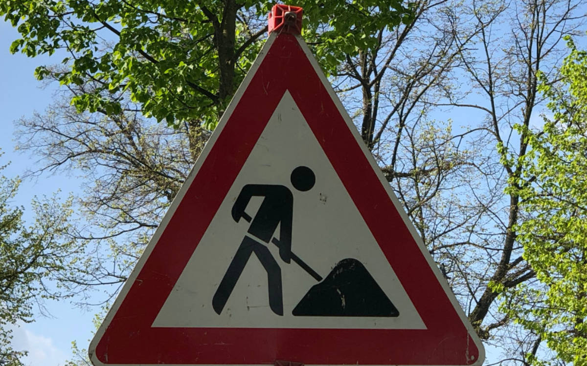 In St. Johannis wird der Kreisverkehr umgebaut. Die Bauarbeiten gehen nun in die nächste Runde. Foto: Redaktion