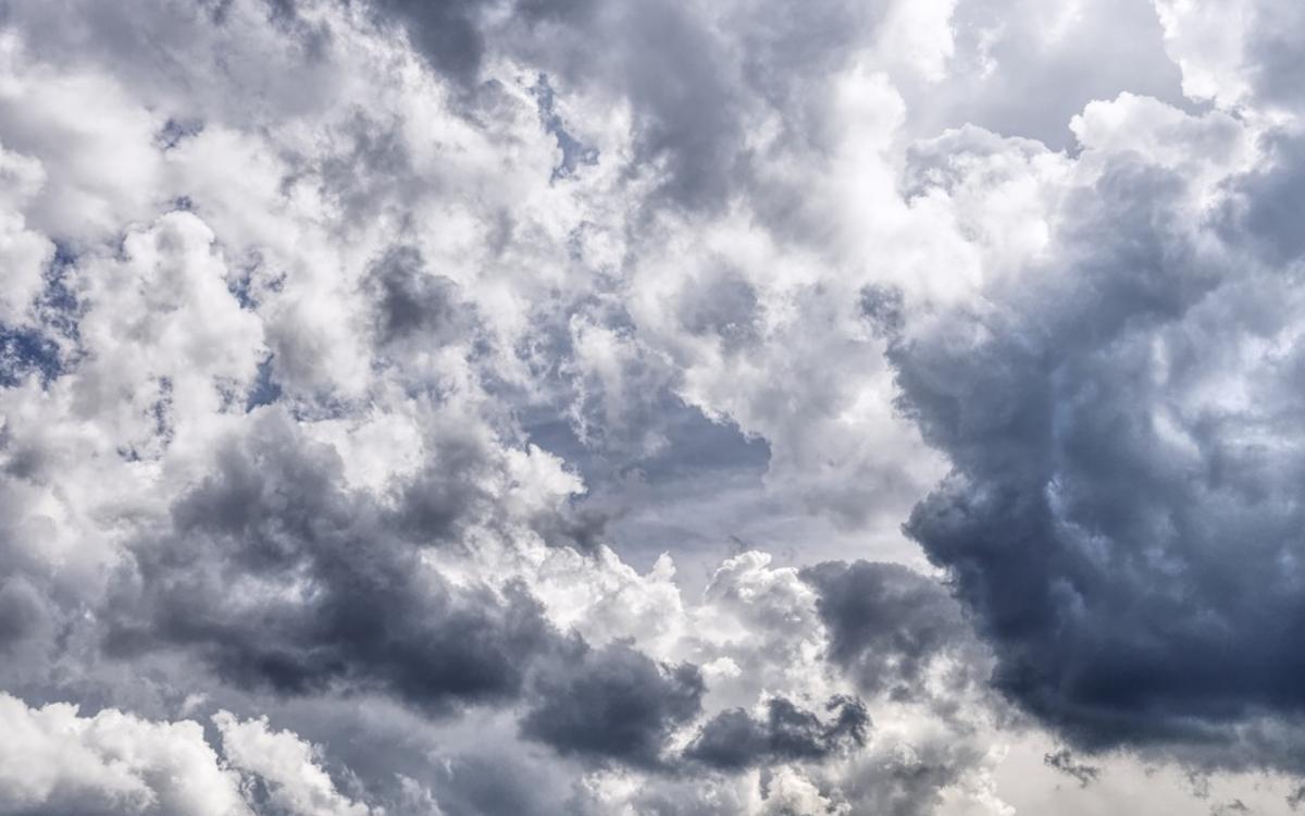 Der Deutsche Wetterdienst warnt vor Unwettern im Raum Bayreuth. Symbol: Pixabay