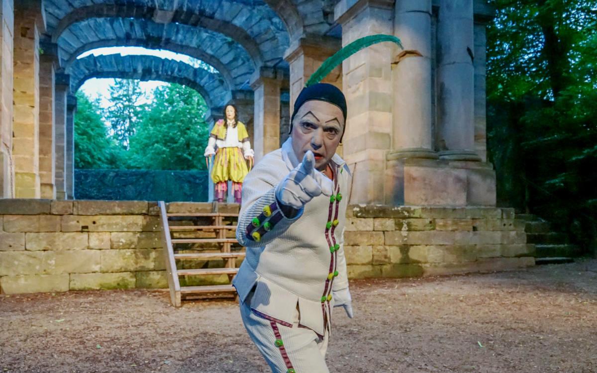 Szene aus Don Juan von der Studiobühne Bayreuth. Foto: Thomas Eberlein