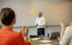 Workshops und Seminare ergänzen die umfangreiche AOK-Ausbildung. Foto: AOK Bayern