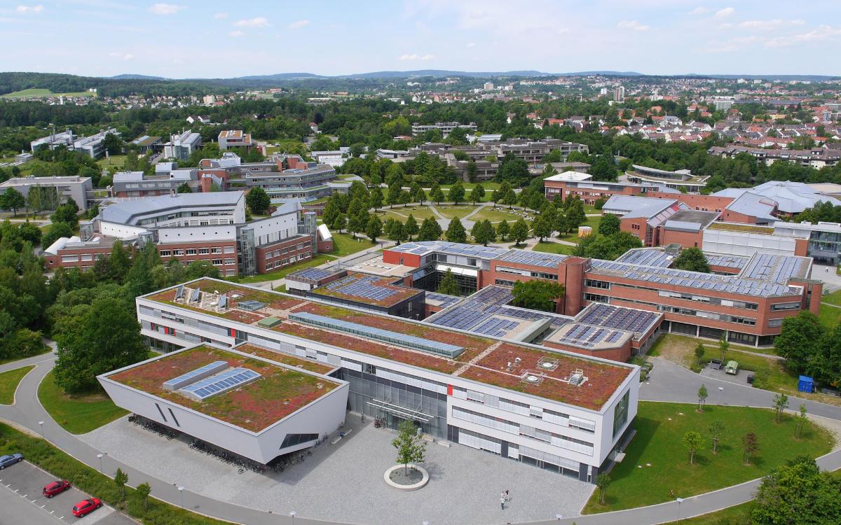 Die Uni Bayreuth aus der Luft. Foto: Universität Bayreuth