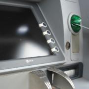 Im Landkreis Bayreuth wurde ein Geldautomat aufgeflext. Die Polizei sucht Zeugen. Symbolfoto: Pixabay