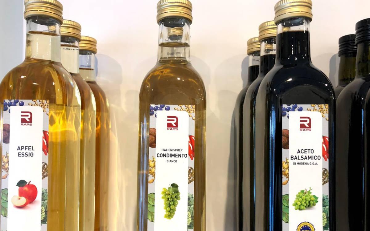 Im Rapsody of Spices in Kulmbach gibt es eine große Auswahl an Gewürzen und Ölen. Foto: Christoph Scholz