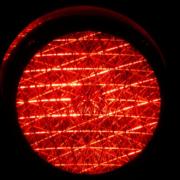 Ein Autofahrer hat in Bayreuth eine rote Ampel missachtet. Es kam zum Unfall. Symbolbild: Pixabay