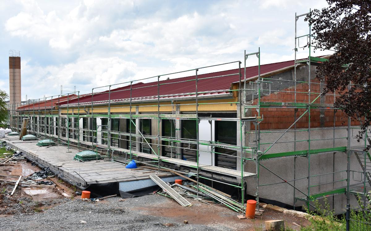 Die Albert-Schweitzer-Schule kann frühestens nächstes Jahr wieder für Unterricht genutzt werden. Archivfoto: Stadt Bayreuth