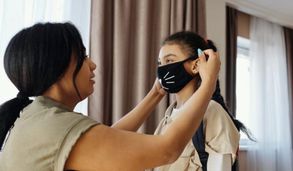 In Wunsiedel i. Fichtelgebirge gibt es neue Corona-Infektionen. Auch ein Grundschüler ist betroffen. Symbolfoto: Pixabay