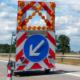 Auf der A9 krachte ein Lkw in einen Warnleitanhänger. Symbolfoto: Pixabay