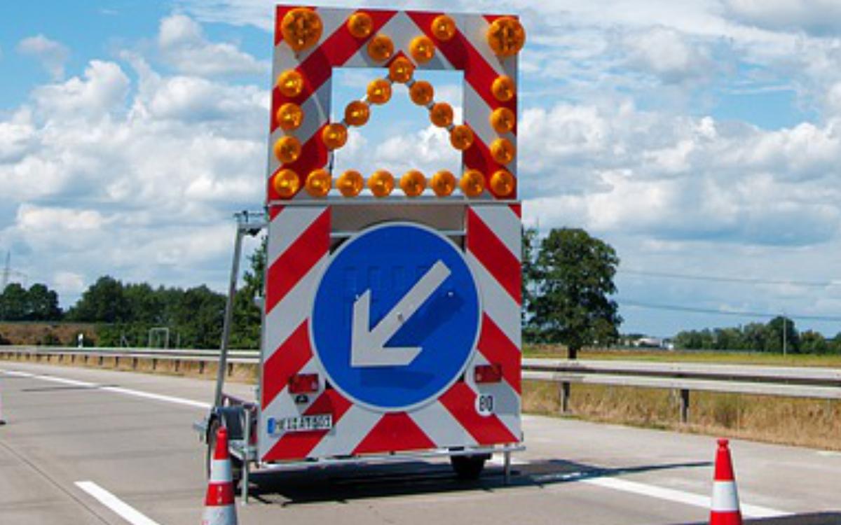 Motorschaden auf der A9/Münchberg/Nord - Öl läuft auf Autobahn Symbolfoto: Pixabay